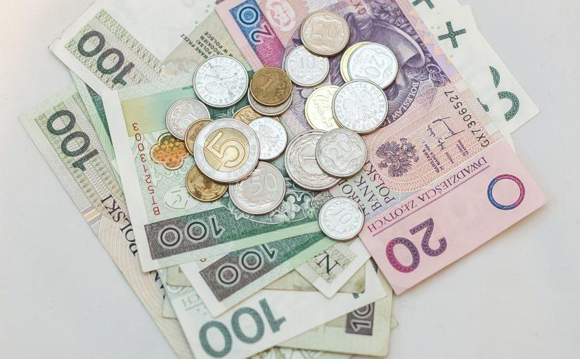 Zasądzone koszty procesu wraz zodsetkami – zwłoka przegranej strony może sporo kosztować